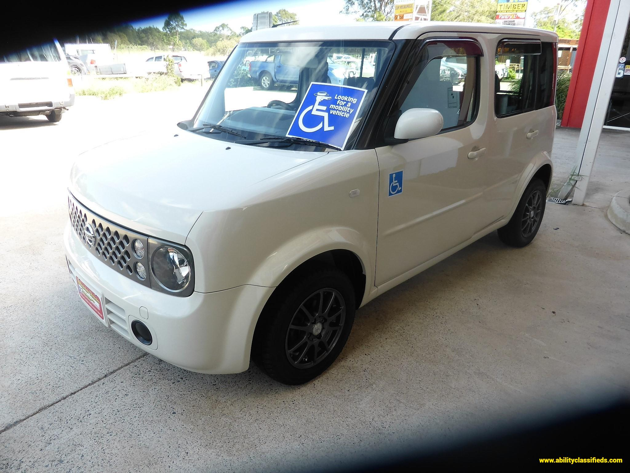 2005 Nissan Cube Rear Wheelchair or Scooter Entry