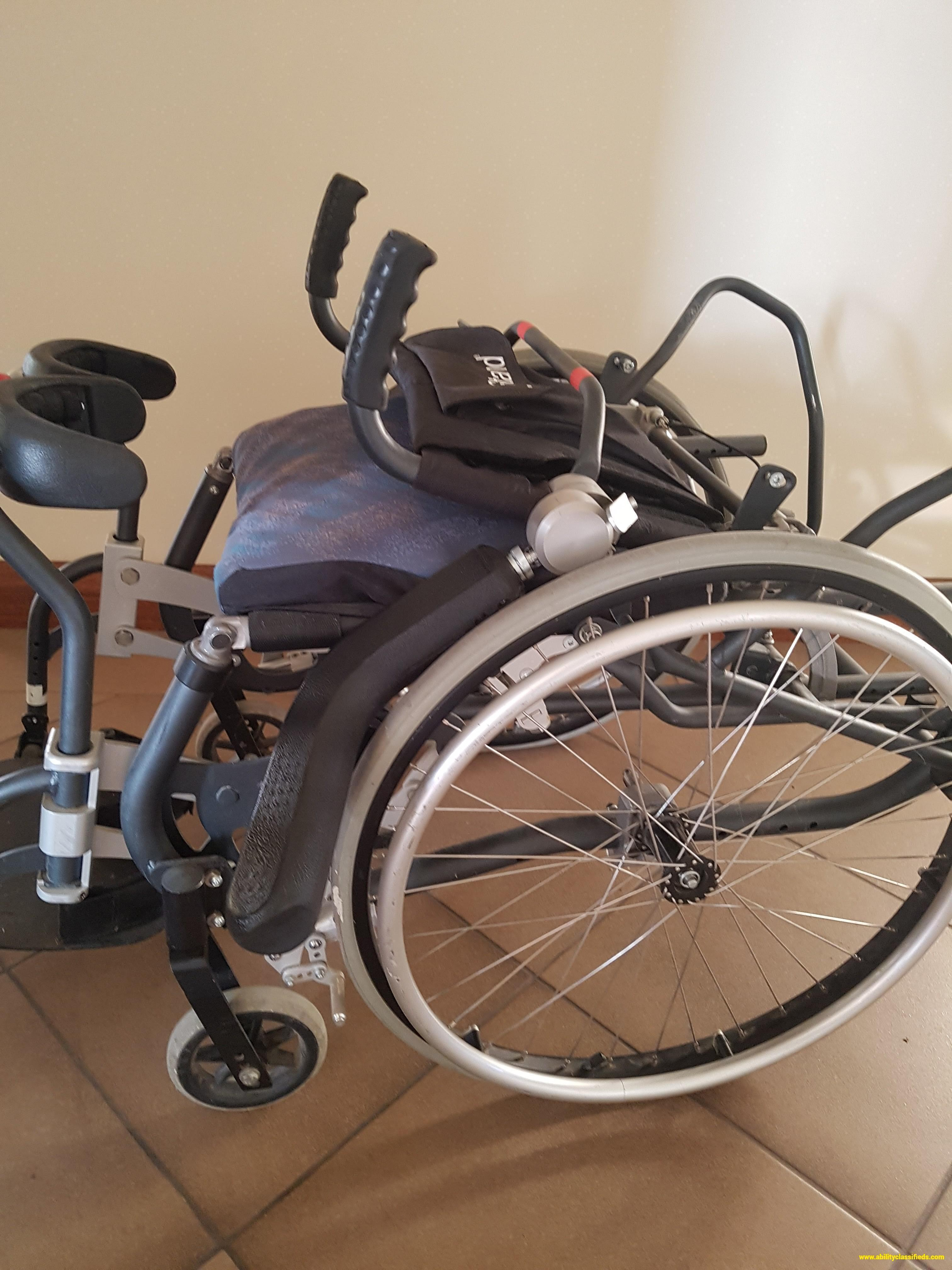 Lifestand Manual Stand-Up Wheelchair - Gas Strut Assisted