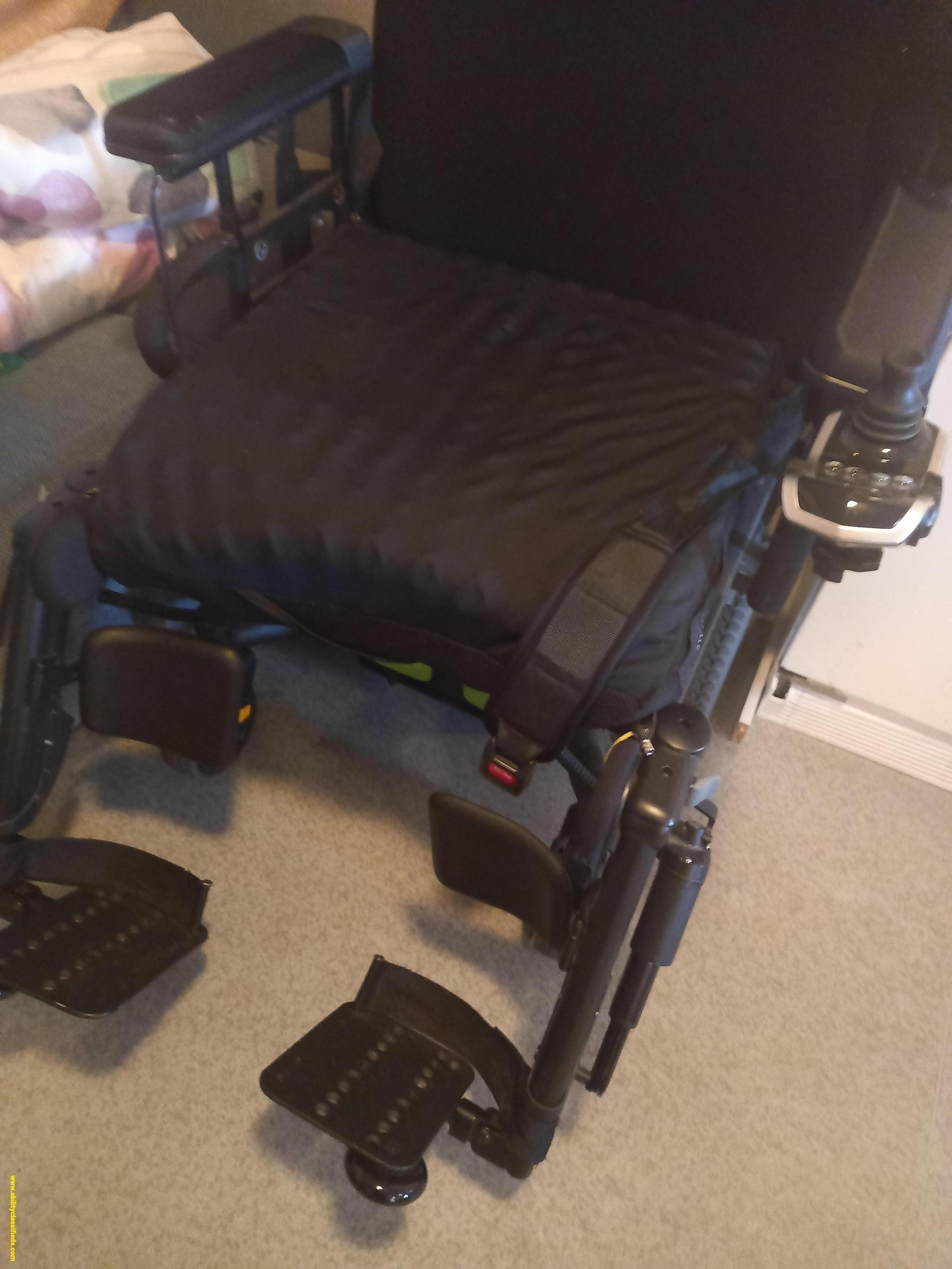 Quantum 60 Power Chair